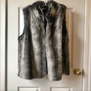 Kenar Faux Fur Vest- Gray/ Brown